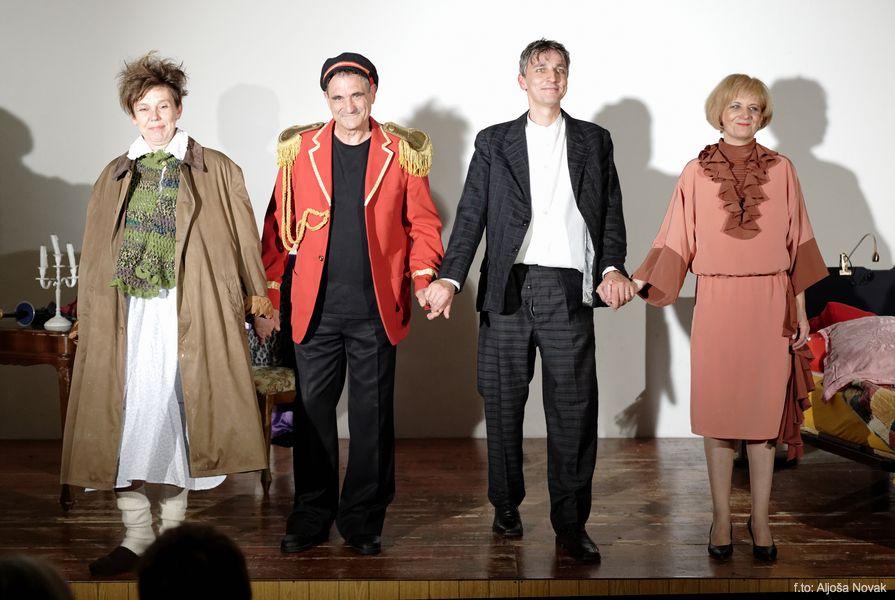 POKOJNA GOSPEJINA MAMA – gledališka komedija P. D. ŠTANDREŽ