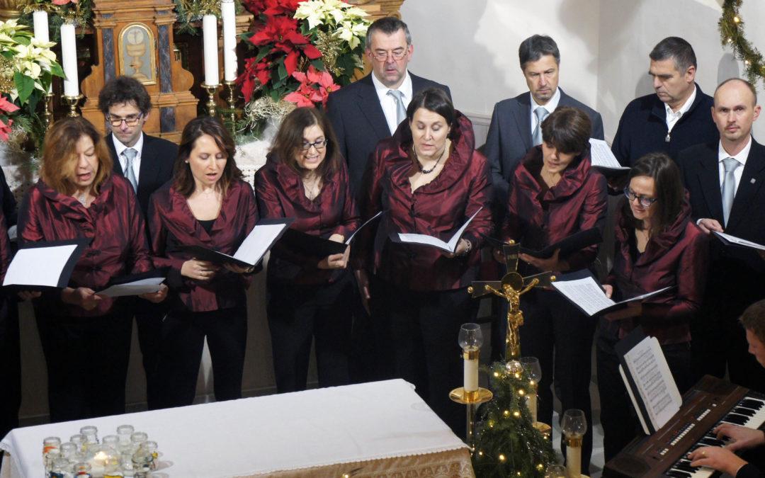 """""""Božično pevsko voščilo"""" – fotogalerija"""